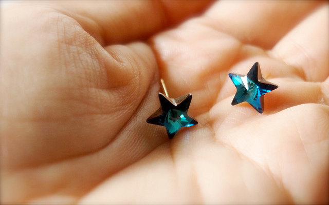 Catch A Falling Star -- Swarovski Stars Earrings - Gold Earposts, Everyday Casual, Something Blue, Classic Chic, Weekend Fun